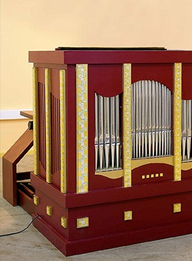 Chamber Organ with pedalboard