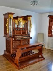 Organists in the UK are enjoying new practice organs by Skrabl